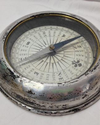 Vintage table top compass, worn bezel, brass inner rim
